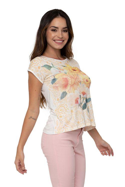 Camiseta Feminina Estampada Floral
